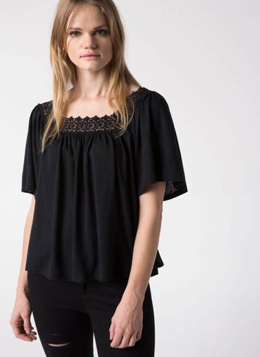 DeFacto Dantel Detaylı Bluz Siyah